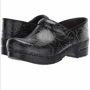 Dansko Professional Clog Shoes Black Size 39